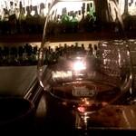 仙台坂 - おもてなしも良く、こだわりのお酒をしっとりと頂く事ができて落ち着けるお店。  なによりカウンターの女性達が綺麗(*^^*)