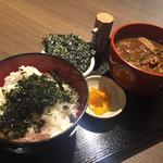 33618852 - 七福とん汁ともっちもちのご飯。韓国海苔付き