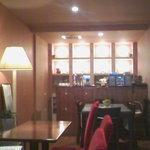 Cafe Rani - 落ち着きある超お洒落な店内。