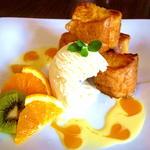 アイカフェ - ・自家製フレンチトースト・に・バニラアイス・と・メープルシロップ・の組み合わせが絶品! +i.caféイチオシのSWEET(ゴメンなさい1日限定4食です(*^^)v)