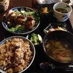 サルーテ - ベジ菜定食。メインが、揚げ物でなければ、より嬉しいかな。