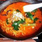 王居 - 担々麺