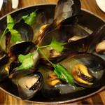 33628429 - 愛知県産ムール貝の白ワイン蒸し