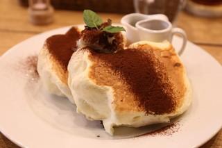 Banks cafe & dining 渋谷 - ティラミスパンケーキ