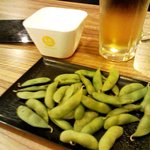 立ち呑み処 ボヤキ - ちーさいお膳にのって来た「枝豆」