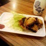 立ち呑み処 ボヤキ - 小ぶりな「椎茸肉詰め」