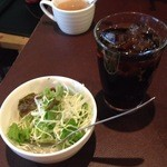 アンクル・サム - セットのサラダとドリンク(コーラ)