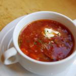 ヨシダゴハン - +300円でスープが付く。本日のスープはボルシチ