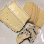 33632156 - チーズ盛り合わせ