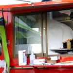 リストランテ アプリコート - 薪窯を積んだケータリングカーで出店:梅田スノーマン フェスティバル(2014.12月)
