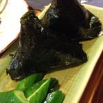 タムちゃん - 料理写真:おにぎり。具は梅干し、おかかなど3種類から選べました^ ^