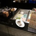 シェフズ ライブ キッチン - コールドストーンアイスはその場で作ってくれる。