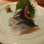 湘南 海まる - 生秋刀魚刺(650円)
