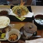 33636576 - 天婦羅定食:茶碗蒸し・副菜が付きます。