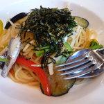 ボンジョルノ - アンチョビと彩り野菜の和風パスタ
