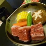 33640370 - 中鉢(黒毛和牛コーン、椎茸、人参、青唐)