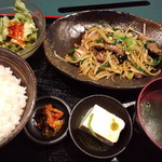 炭火焼肉 寿門 - 寿門ランチ(レバニラ炒め)