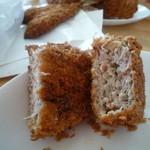 肉の清水 - 粗挽き肉と大き目のタマネギみじん切りから出る肉汁たっぷりのメンチカツが美味い♪