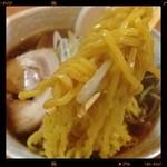 突撃ラーメン - 初 : 太麺(醤油)\680yen       いつも注文する中太麺との差は0.2㎜。あまり変わらないけど、太麺のほうがもっちりして、卵がよく分かって美味しいです。