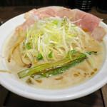 麺 チキンヒーロー - 海老パイタン