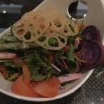 ケラケラ ヴィータ - 10種類の野菜を使用した大地のサラダ780円