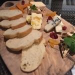 ケラケラ ヴィータ - チーズ5種盛り合わせ980円