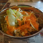 インド・ネパール料理 Raja - サラダは小さな入れ物で少な目
