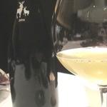 33671951 - 最初の料理(磯)に合わせたお酒は滋賀の発砲のにごり白ワイン