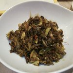 アチャラナータ - バナナの花の蕾とモルジブフィッシュの炒め物(辛いです)。