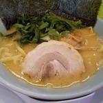 33673557 - 豚骨醤油ラーメン720円