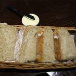 PALOMBE - パンとバター