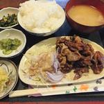 ピッコロ - 料理写真:日替わりランチ(しょうが焼き定食)コーヒー付き750円