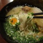 ラーメン康竜 - 極細ストレート麺