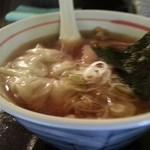 ダイニング 麺夢や - 醤油味ワンタンメン 斜めから 2014.12