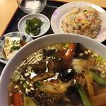 金麟 - ランチの牛バラ麺定食(800円)2014年12月