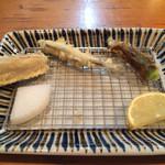 割烹てんぷら 天露 - 蓮根、公魚、オクラ、お好きなお塩でどうぞ!