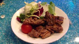 リトルリゾートカフェ イーストケープ - ラム肉のスパイス焼き