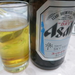 グリル佐久良 - 瓶ビール500円。