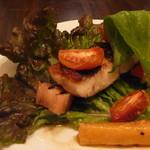 テーブルナナ - 黒鯛のソテーサラダ仕立て雲丹のソース
