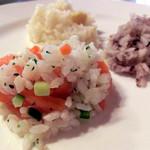 菜園ブッフェ ダブラ - サーモンとお米のサラダ、栗ごはん、雑穀米