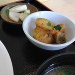 3369376 - 芋のカレー炒めとたくあん付き