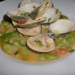 アカツキ - 旬のハマグリと空豆の食べるスープ!!