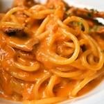 ダニエルズ - たっぷり前菜と生パスタのランチ(渡り蟹のクリーミーなトマトソース+300円)