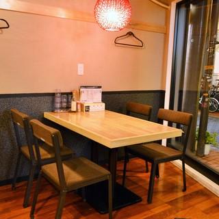 ◆テーブル席もございます♪(4名様まで)