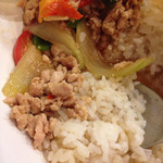 タイ料理JUMPEE - ガイガパオラットカーオのアップ