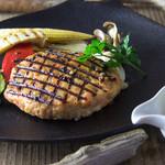 鮭殻荘 - サーモンのロシアンハンバーグ