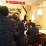 イベリコ・バル - 12時過ぎにはテーブル席もカウンターも満席になりました