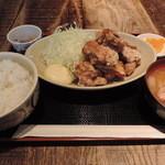 赤鶏農園 - ランチの鶏唐揚定食