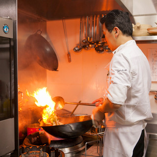 元、堂島ホテル中華料理長ならではの繊細で奥深い料理!
