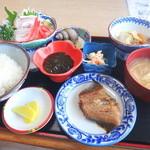 ちどり - 料理写真:刺身定食